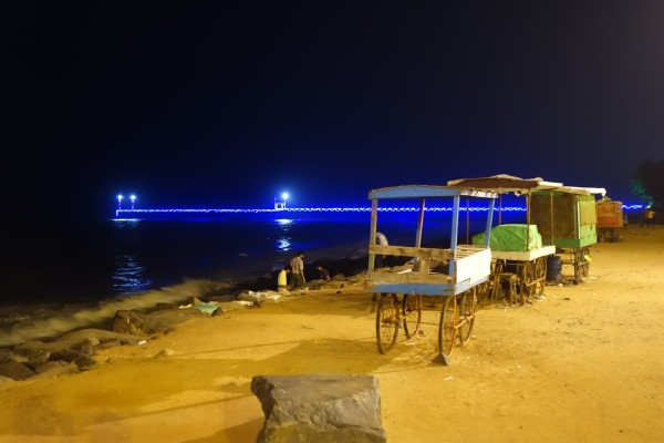 The sea's bay of Pondicherry by night